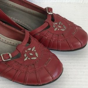 Size 6 Predictions Red w Silver Accents Loafers